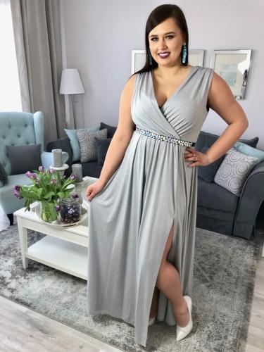 Sukienka na studniówkę plus size dla puszystych Sukienka